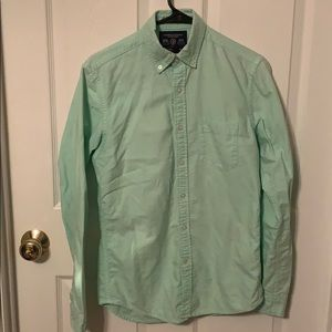 AE - Men's Slim Fit Button Down - Size XS